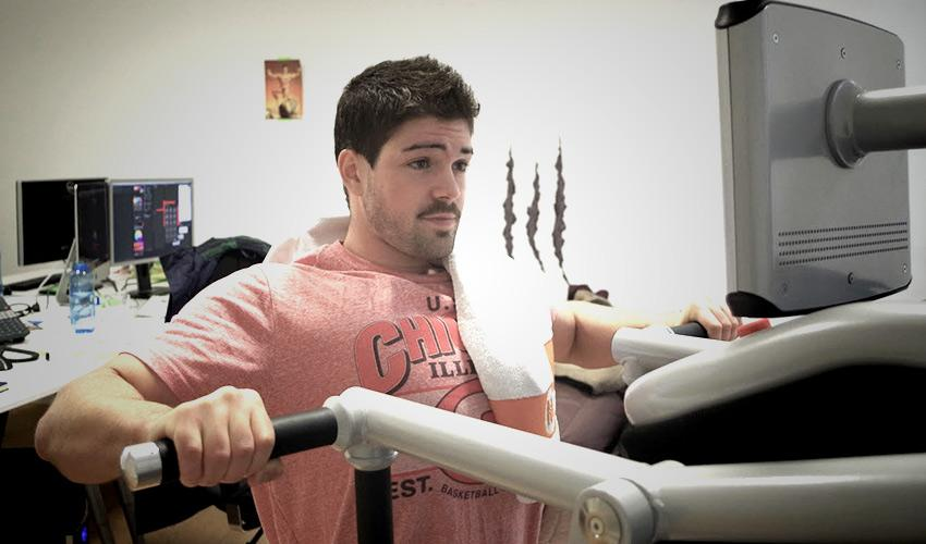 Morgan trainiert am eGym Gerät